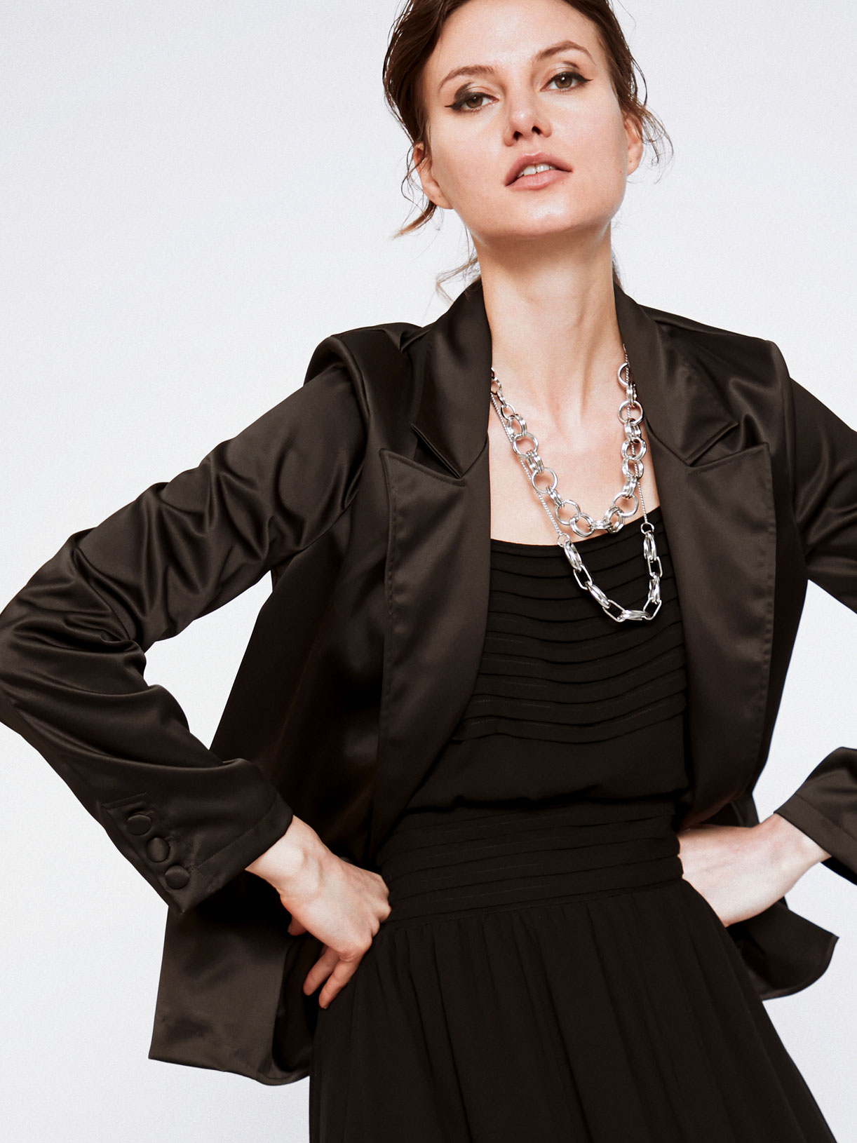 Veste de tailleur femme en satin pour soiree écoresponsable - Creatrice de mode éthique et bio a Paris - Myphilosophy