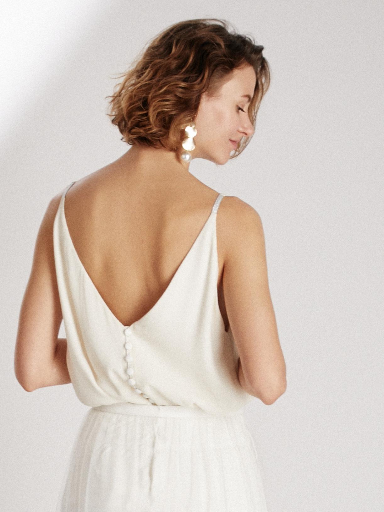 Blouse de mariée a bretelles et col V écoresponsable - Creatrice de robe de mariée éthique et bio a Paris - Myphilosophy
