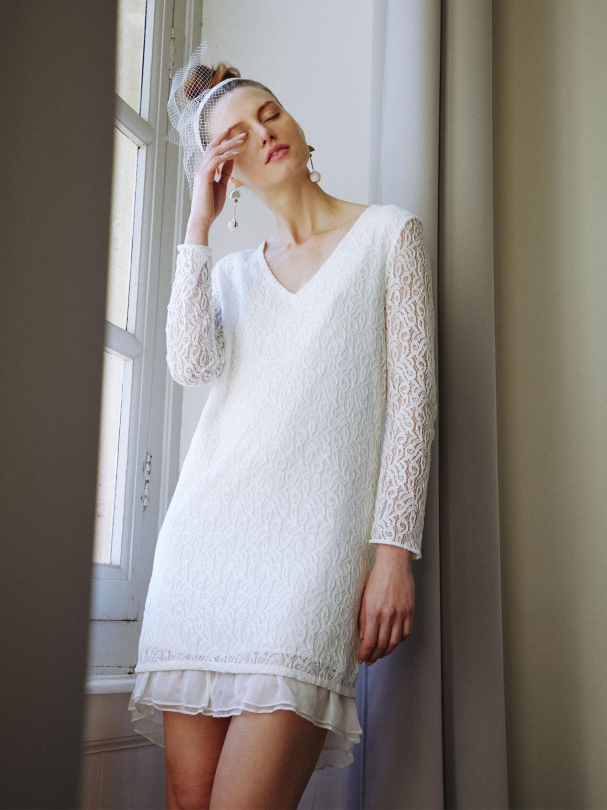 JOY - Robe de mariée à volant en dentelle avec nœud dans le dos - Créatrice de robes de mariée sur-mesure éthique et bio sur Paris - Myphilosophy