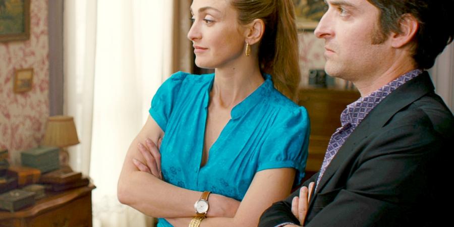 "Julie Gayet en robe Myphilosophy dans ""L'art de séduire"" !"